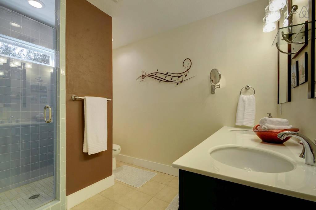 columbus bathroom 2