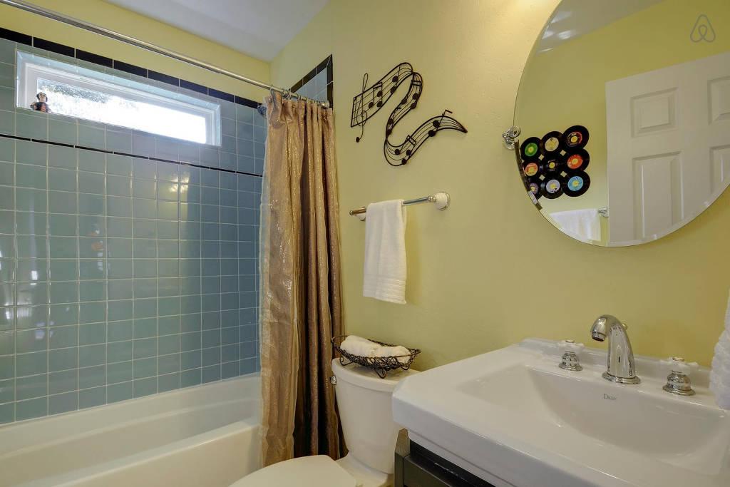 columbus bathroom 3